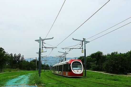 北京磁浮S1线已圆满试行